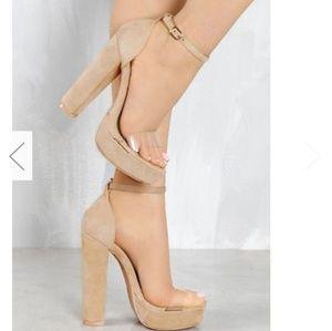 Lola shoes